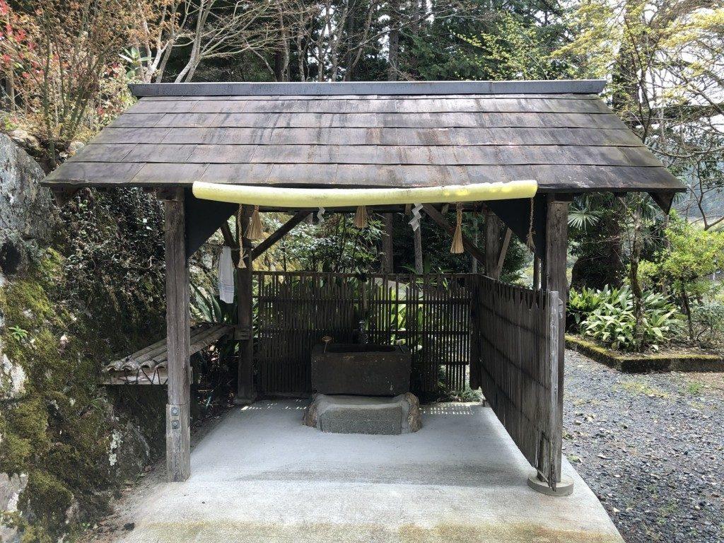 丹波篠山春日神社の手水舎