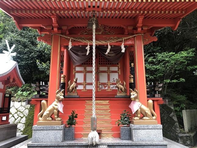 戸上神社の喜代茂稲荷社の社殿