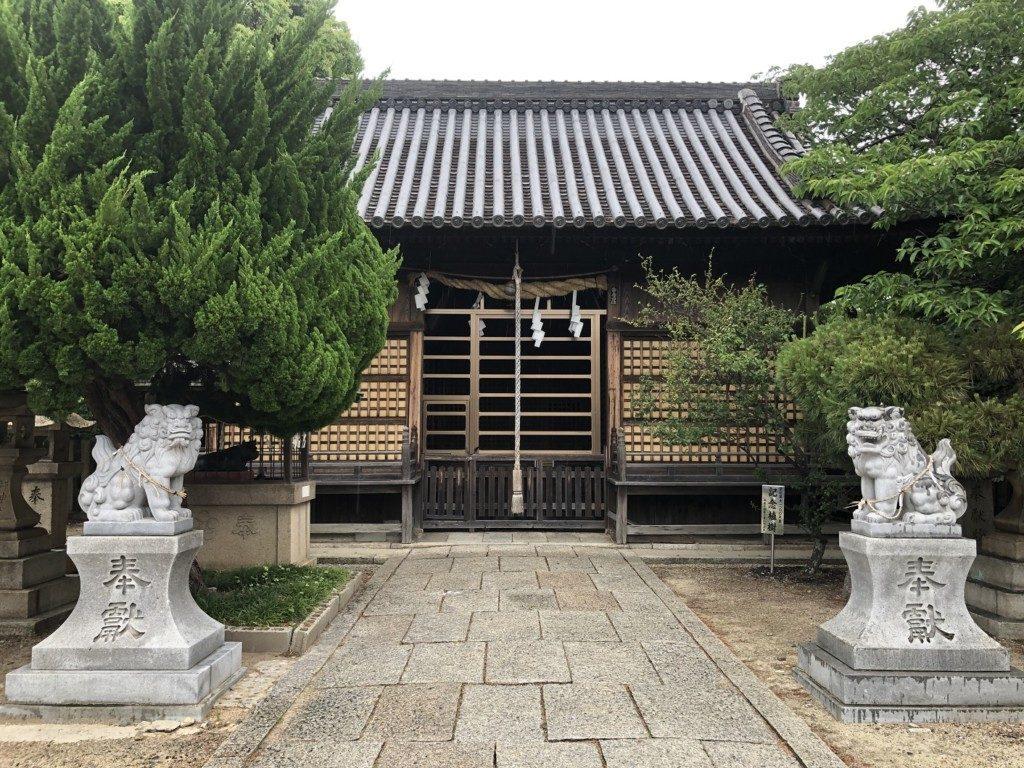休天神社の拝殿