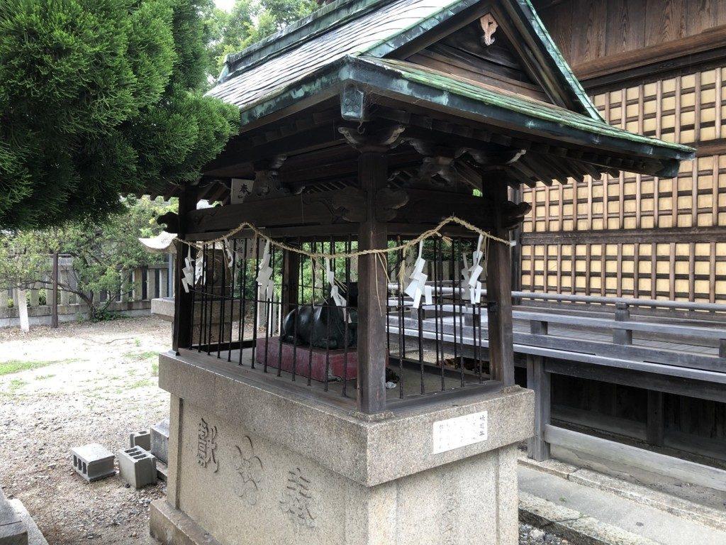 休天神社の臥牛像
