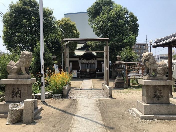 鼻川神社 狛犬