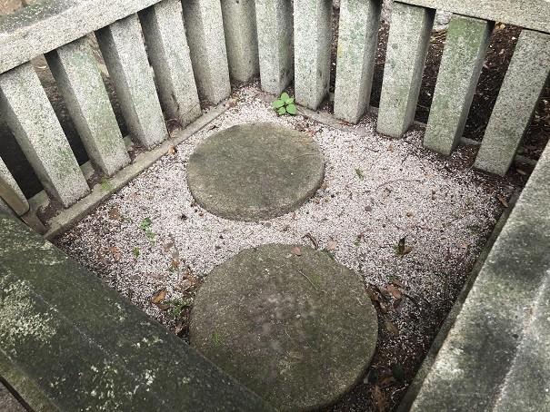 稗田野神社 礎石