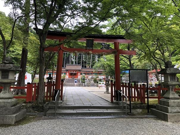全国唯一の狛鹿が神社を守る「大原野神社」
