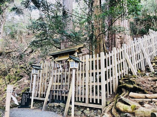 玉置神社最初の参拝場所は「玉石社」から