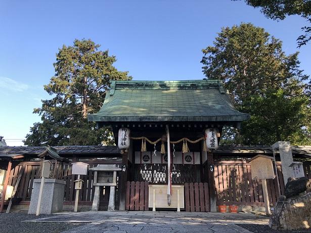 若宮八幡宮社 三柱の主祭神をお祀りする社殿