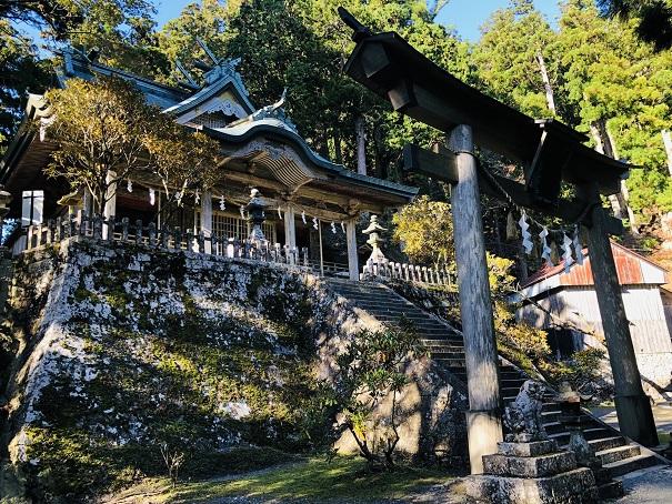 パワーみなぎる本殿 玉置神社