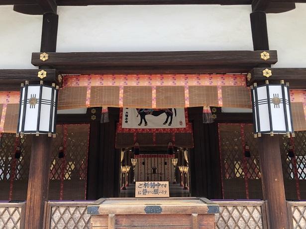 ご祭神と契約の神様を祀る「幣殿」下鴨神社