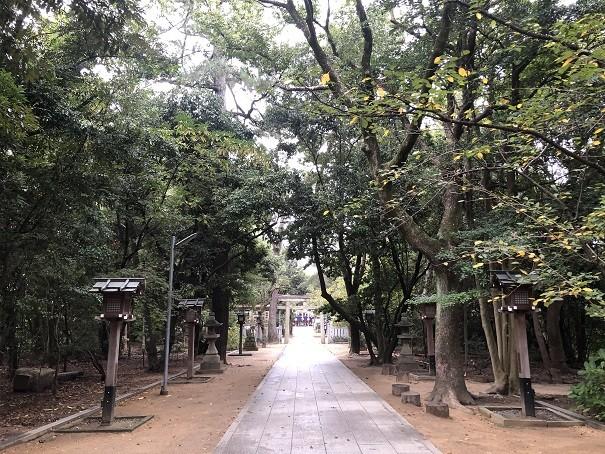 辛国神社 参道