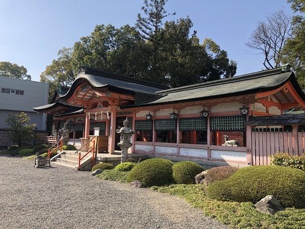 西院春日神社 拝殿