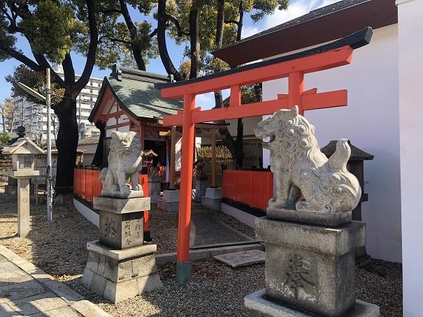 蛇神を祀る楠木社と再出発の木 姫嶋神社