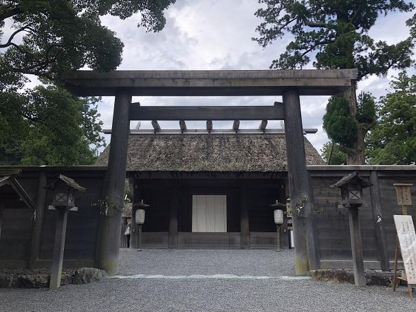伊勢神宮の正宮(内宮・外宮)にはお賽銭箱が設置されていない