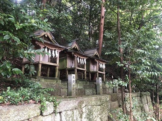 葛木坐火雷神社の境内社(摂社・末社)