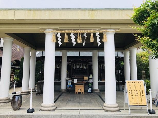 飛行神社 神社の常識を覆すギリシャ神殿のような拝殿