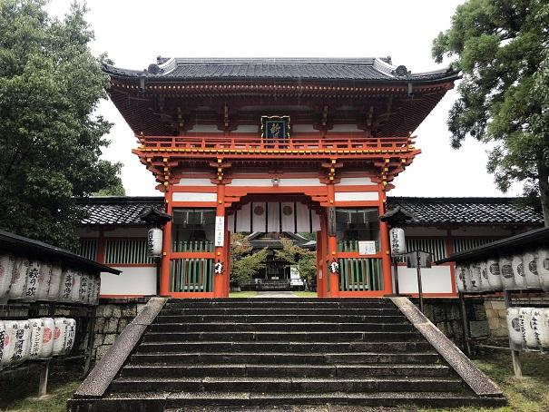 十一柱をお祀りする社殿楼門新日吉神宮