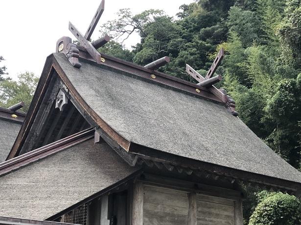 三殿並立の大社造り佐太神社