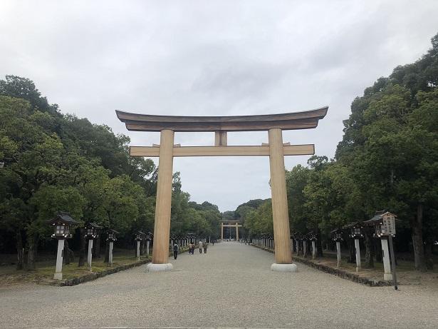 橿原神宮鳥居日本はじまりの地のスケール感