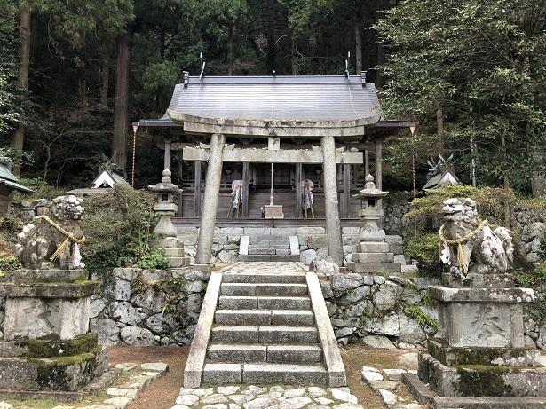 高天彦神社社殿