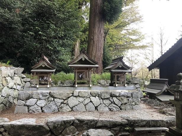 高天彦神社の境内社(摂社・末社)